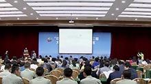 """长沙大学生科技创新创业大赛 国防科大研究生发明""""扑翼飞行器"""""""