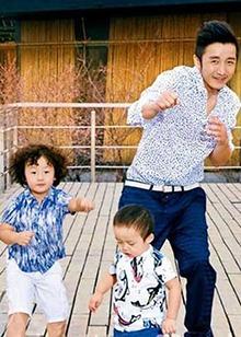 《妈妈是超人》萌宝成长记录:轩轩皓皓与邹市明组拳击三兄弟