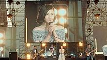 《重返20岁》片段:杨子姗音乐节激情演唱(杨子姗《我们的明天》)