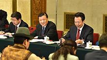 <B>刘云</B>山参加内蒙古代表团审议