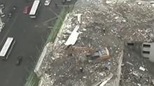 挖掘机楼顶施工 到底怎么上去的?