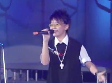 2005超级女声长沙唱区7进5晋级赛:黄雅莉赵静怡火力全开为梦发声