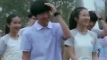 《我们的少年时代》未播花絮:王源<B>王俊凯</B>操场尬舞 笑到停不下来