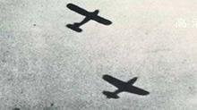 建军90周年微讲述20170816期:开国大典时,受阅空军编队为什么有4架飞机带弹飞行?
