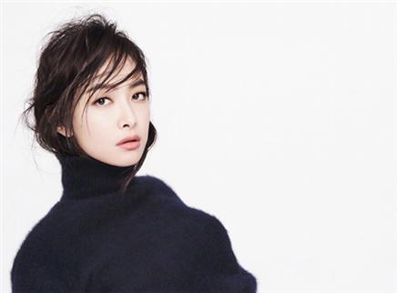 【时装L'OFFICIEL】时装杂志十二月刊封面人物宋茜