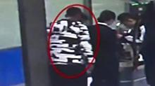 深圳:身缠百余苹果手机过关 四名港客被海关查获