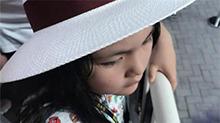 李湘暑假带女儿参观兵马俑 <B>王</B><B>诗龄</B>满头大汗直喊热