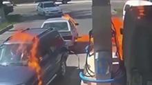 拿<B>打火机</B>检查油量 结果引燃油罐车
