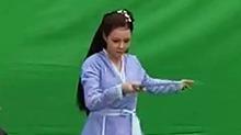 【影视情报员】沈梦辰《新龙门客栈》路透 原地旋转舞剑的小仙女