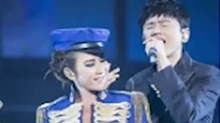 张杰助阵<B>李玟</B>演唱会同台飙歌气场足 杰哥清唱《真情人》疑表白谢娜