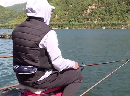 手竿浮钓鸭绿江