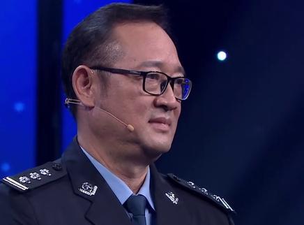 第2期:97式军装见证香港回归