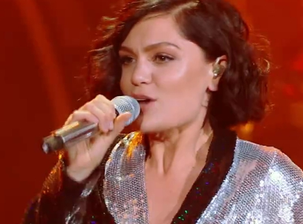 Jessie J隔空歌舞嗨翻小客厅