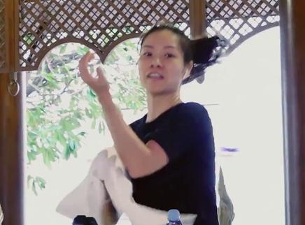 04期:李娜健身完胜魏大勋
