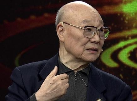 艺术常青树刘秉义唱响舞台