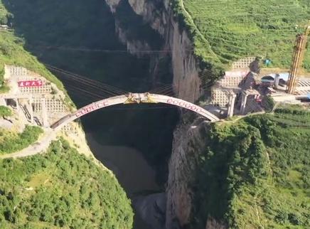 鸡鸣三省大桥是如何施工的?