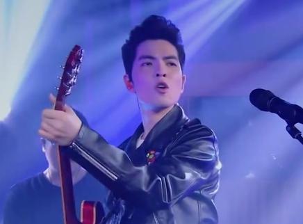 09期:歌手唱生日歌祝福萧敬腾